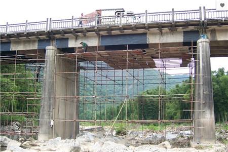 桥梁粘贴碳纤维加固施工