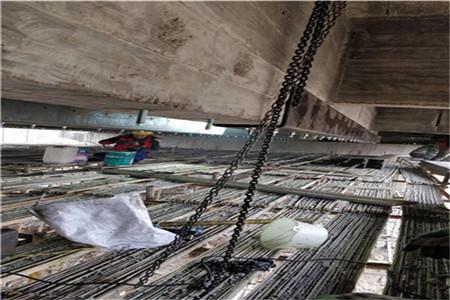 粘贴碳纤维加固桥梁施工